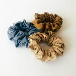 Scrunchies I mange farver
